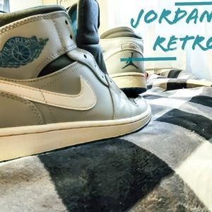 Nike Shoes - Jordan 1 Retro
